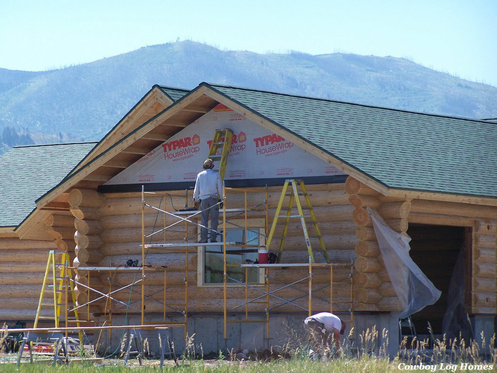 Days 10 and 11 soffits gable siding cowboy log homes for Gable roof garage